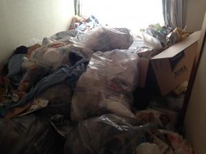 アパートの大量ゴミ3