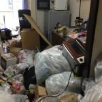 不用品、大量ゴミを片付ける前1
