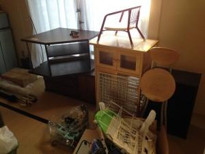 引越しの片付け、家具や小物も回収します。