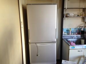 引越しの片付け、大型冷蔵庫も引き取ります。