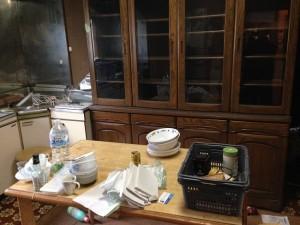 食器棚、テーブルなど