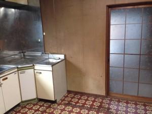 食器棚、テーブルなど回収後
