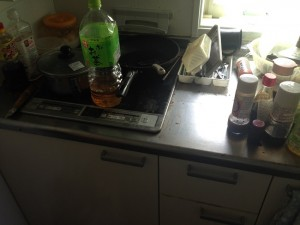 キッチンの掃除前2