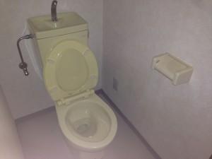 アパートトイレ清掃後